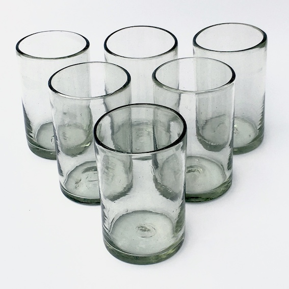 / Clear drinking glasses
